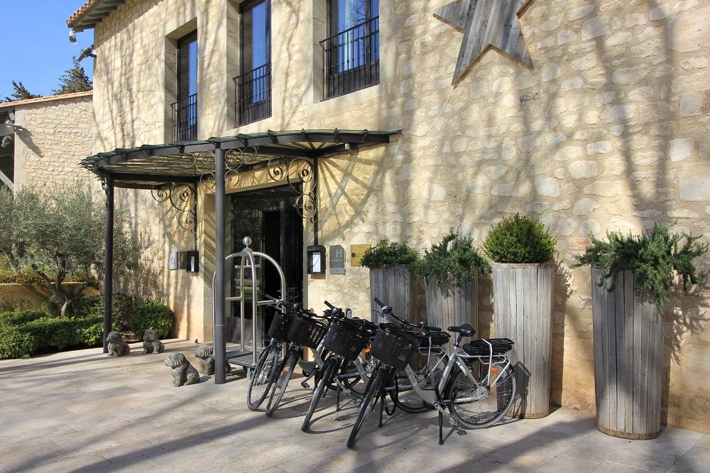 hotel famille Manville Baux de provence