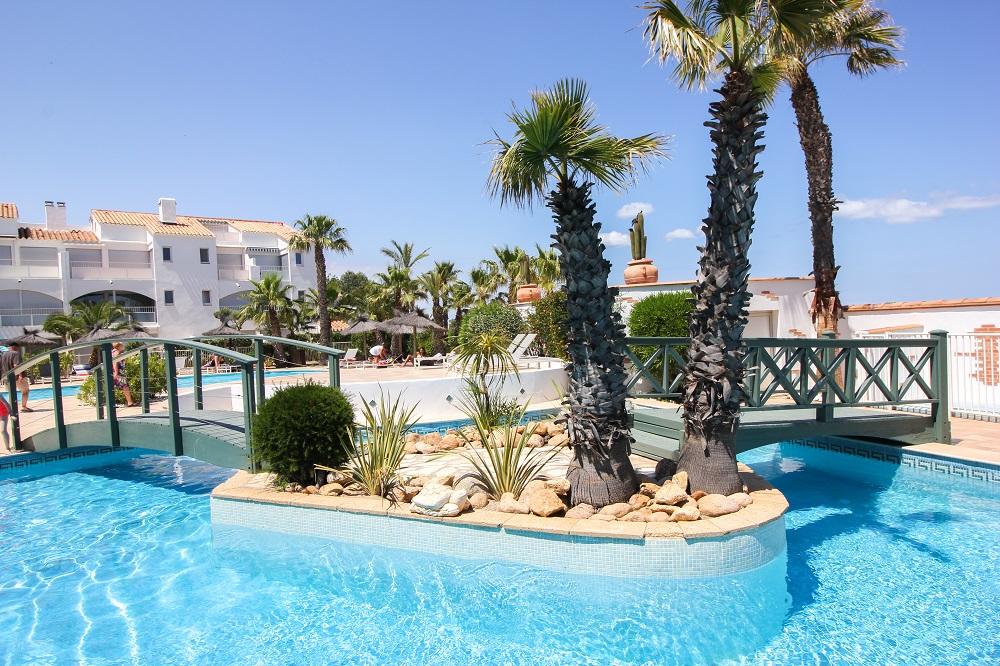 hotel piscine famille saint cyprien argeles